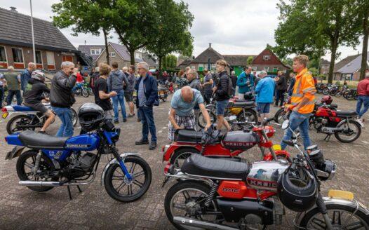Recordaantal deelnemers bij oldtimer rit